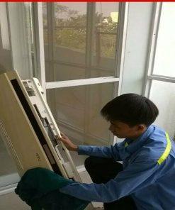 Thợ lắp đặt máy lạnh tại Long Xuyên